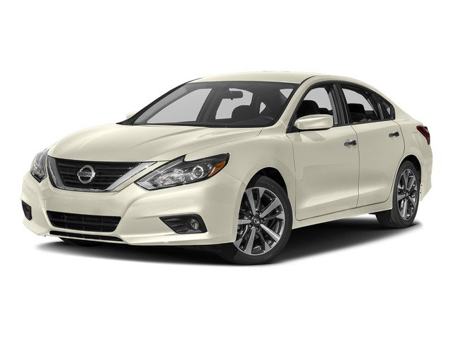 Pre-Owned 2017 Nissan Altima 2.5 SR Midnight Edition